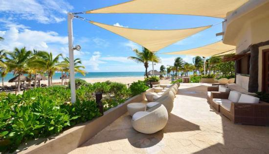 /hotely/mex048/res/catalonia-playa-maroma-beach-lounge.jpg