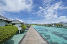 /hotely/ml003/res/Sun_Island_Water-Bungalow-Exterior-.jpg